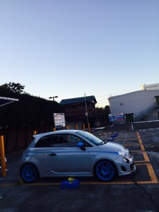 アバルト 駐車場
